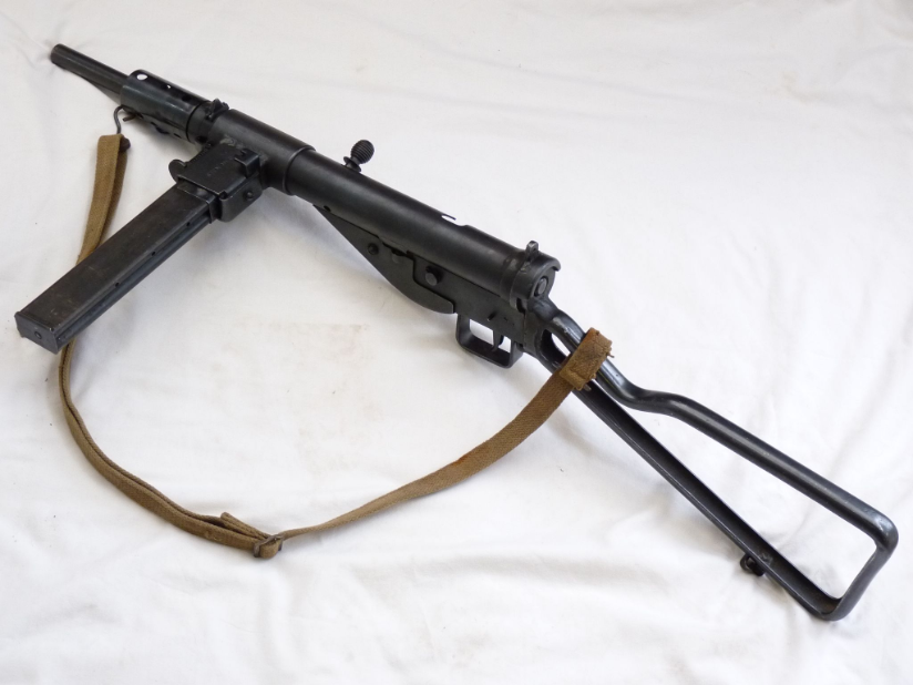 sten machine guns